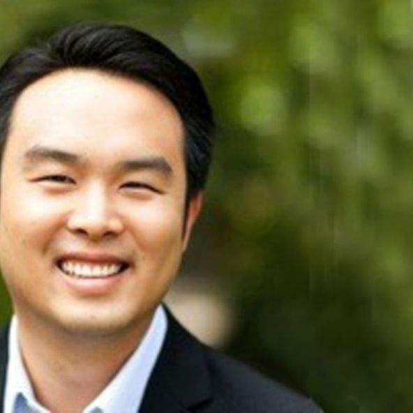 Photo of Andy Chen, Partner at Coatue Management