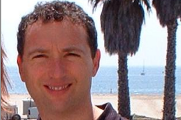 Photo of Steven Lurie, Managing Partner at Team Builder Ventures